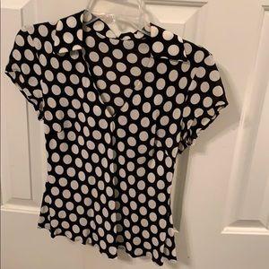 Polka dot blouse. M/8